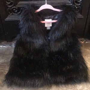 H&M black faux fur vest nwot size 5